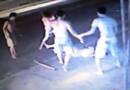 Cảnh sát tìm tung tích nạn nhân mang dây chuyền bị đánh chết - ảnh 1