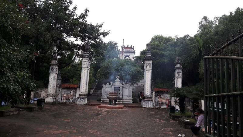 Truy bắt kẻ trộm tiền trong 7 hòm công đức đền Cuông  - ảnh 1