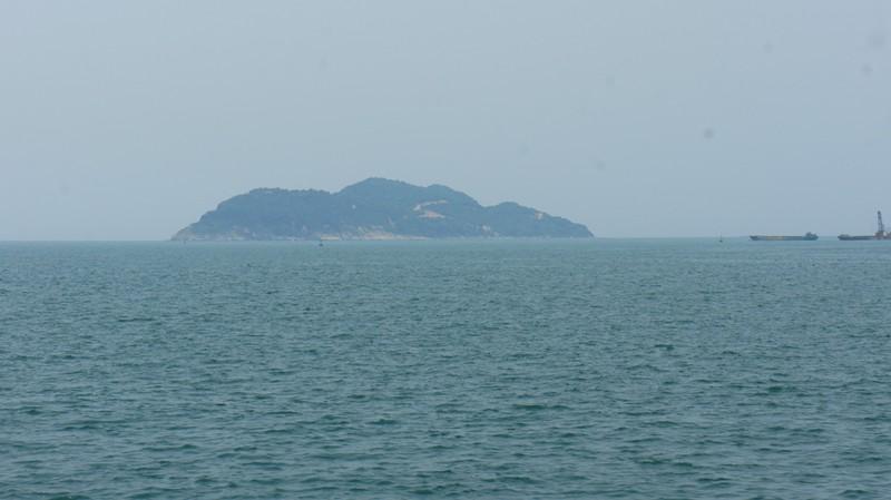 Khu vực đảo Sơn Dương, biển Vũng Áng. Ảnh: Đ.LAM