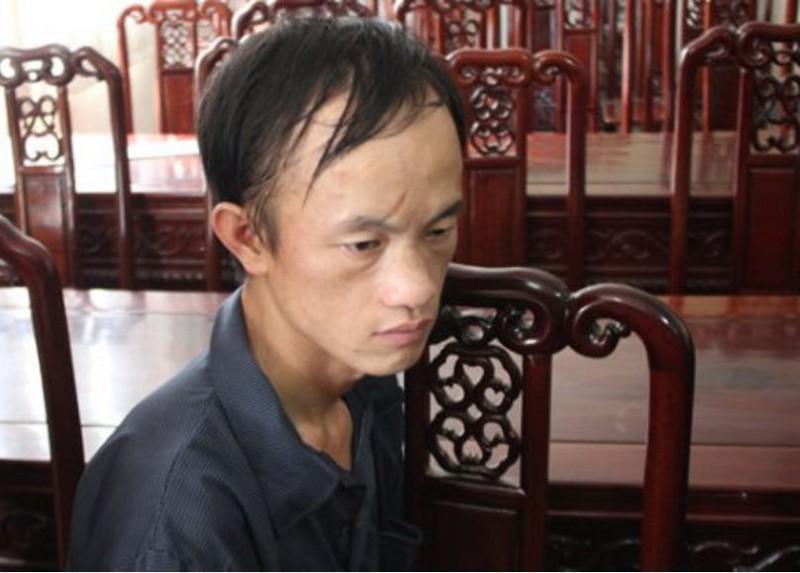 Mang súng AK cùng người Lào đi rao bán ma túy - ảnh 1