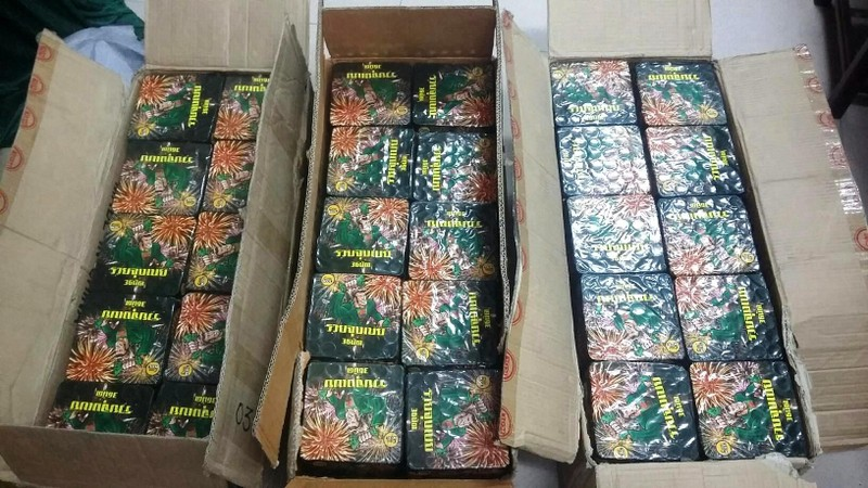 Thiếu niên cuốn pháo 'khủng' đem bán - ảnh 2