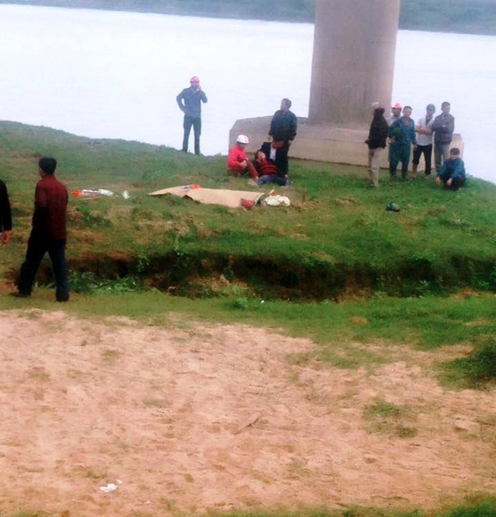 4 người trong một gia đình bị tai nạn, 2 người tử vong - ảnh 2