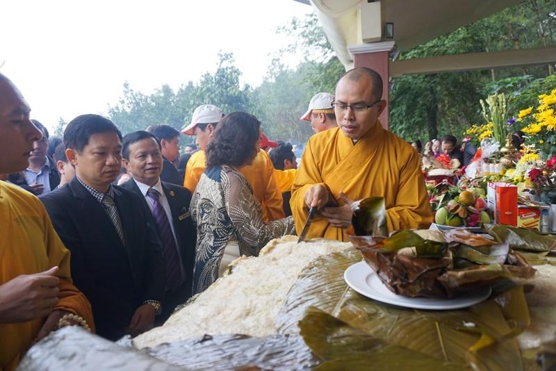 Lãnh đạo tỉnh Nghệ An lên tiếng về cặp bánh chưng 7 tạ - ảnh 2