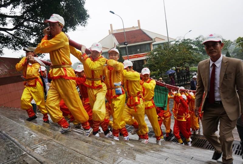 Lãnh đạo tỉnh Nghệ An lên tiếng về cặp bánh chưng 7 tạ - ảnh 1