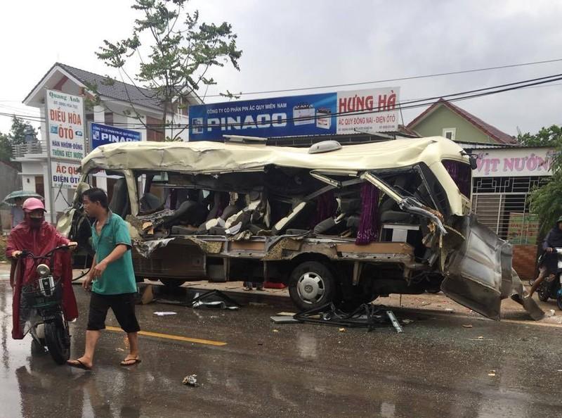 Cận cảnh tai nạn thương tâm làm 6 người tử vong - ảnh 3