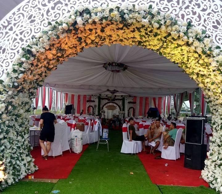 Xôn xao đám cưới trao biệt thự, xe hơi, 10 cây vàng - ảnh 2