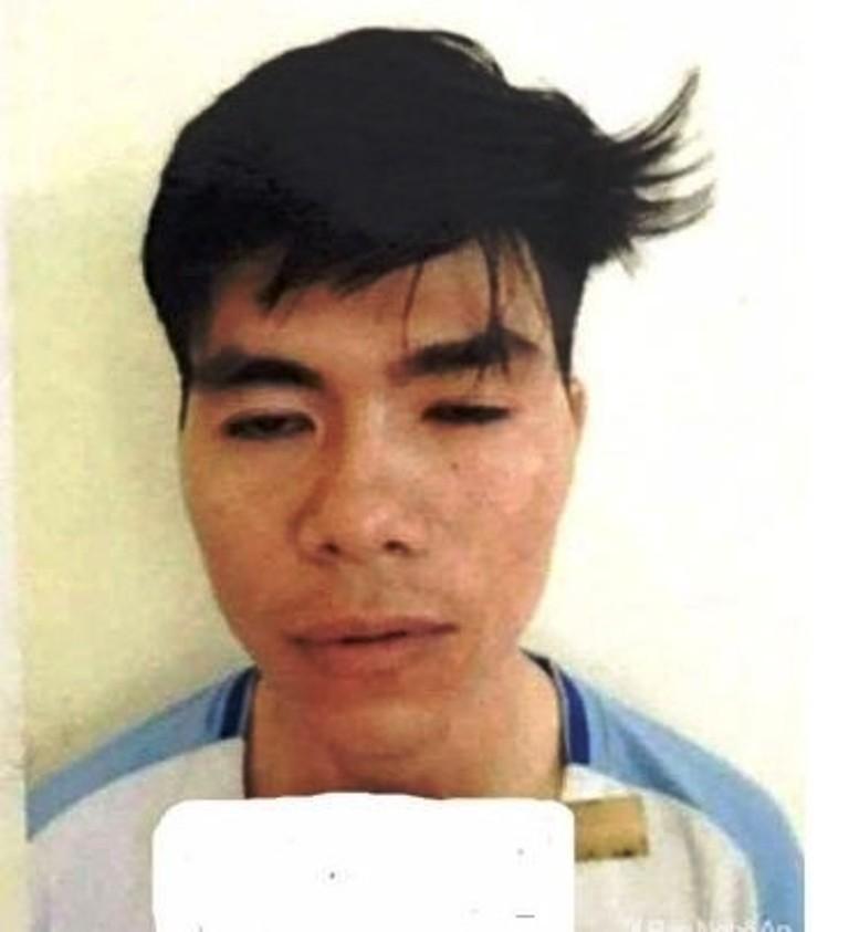 Khởi tố thanh niên đánh cảnh sát cơ động - ảnh 1