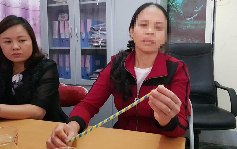 Cô giáo bị phụ huynh tố đánh gãy xương ngón tay của trò - ảnh 3