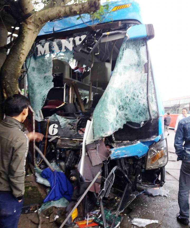 Tai nạn khủng khiếp ở Hà Tĩnh: 3 người thương vong - ảnh 2