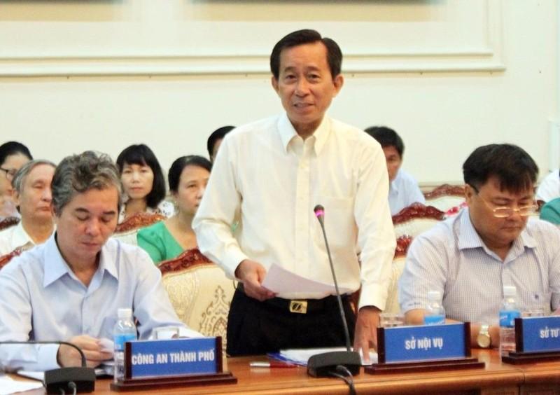 """Giám đốc Sở Nội vụ Trương Văn Lắm: """"TP đã chỉ đạo các cơ quan, cán bộ nghiêm túc thực hiện thư xin lỗi đối với người dân"""". Ảnh: CHÂN LUẬN"""