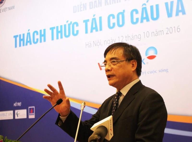 """TS Trần Đình Thiên: """"Cốt lõi của TCC vẫn chưa được đụng chạm đến"""".  Ảnh: CHÂN LUẬN"""