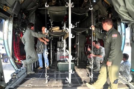 Không lực Hoa Kỳ tổ chức giới thiệu C-130H với các PV ở Việt Nam