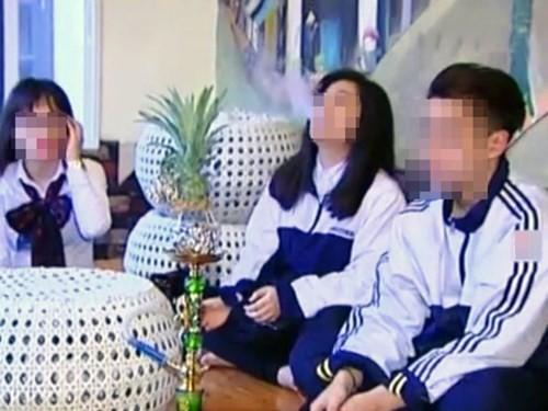 Phóng sự HS hút shisha: Được mời diễn hay 'người thật việc thật'? - ảnh 1