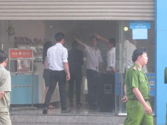 Biti's cháy cửa hàng giày dép, thiệt hại chưa xác định - ảnh 2