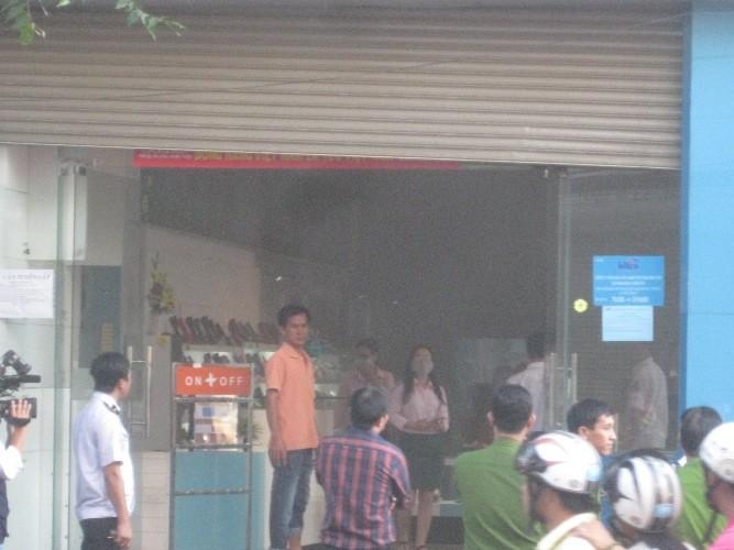 Biti's cháy cửa hàng giày dép, thiệt hại chưa xác định - ảnh 3