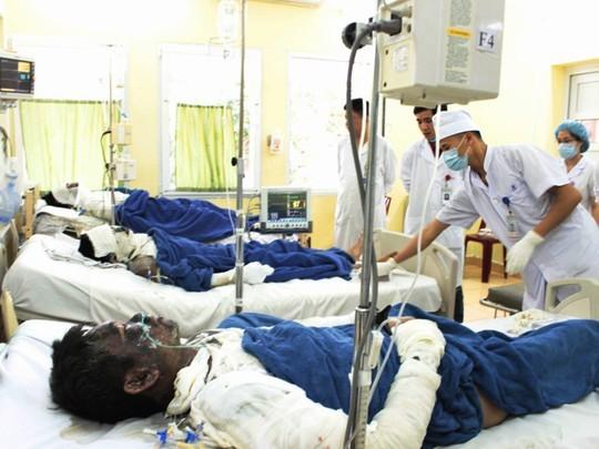6 người đàn ông bị bỏng nặng được đưa vào cấp cứu tại BV Việt Nam-Thụy Điển một cách bí ẩn - Ảnh: CTV