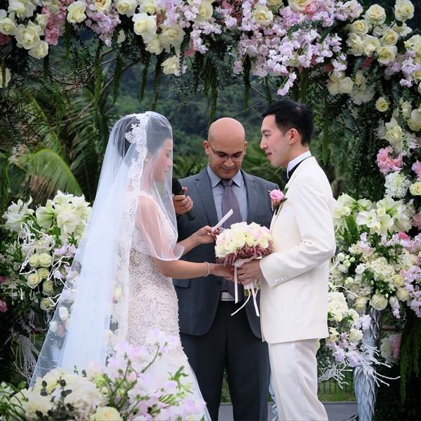Đám cưới tiền siêu sang của cặp đôi Singapore tại resort Đà Nẵng - ảnh 1