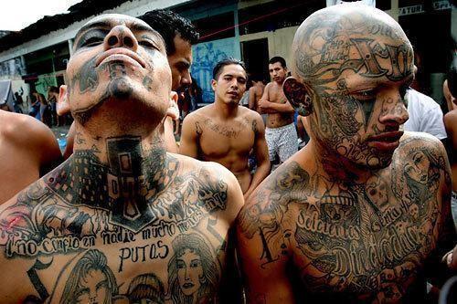 Trang bị vũ khí 'tới tận răng' để áp giải 1000 tù nhân nguy hiểm nhất Nam Mỹ - ảnh 2