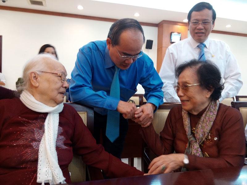 Nguyễn Văn Linh, Nguyễn Thị Bình, hoà bình, ngoại giao, Hiệp định Paris, giải phóng miền Nam