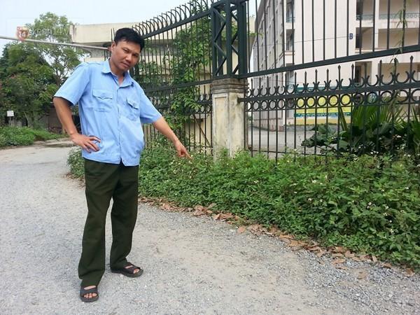 Hà Nội: Học sinh đánh thầy giáo vỡ mũi ngay trước cổng trường - ảnh 2