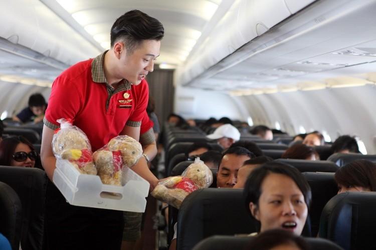 Khai trương nhiều đường bay mới phục vụ lễ 30-4 - ảnh 1
