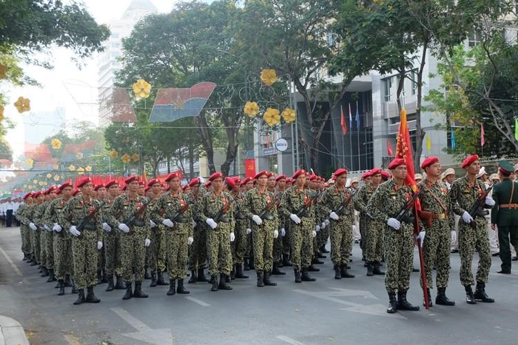 Tổng duyệt diễu binh, diễu hành kỷ niệm 40 năm thống nhất đất nước - ảnh 3
