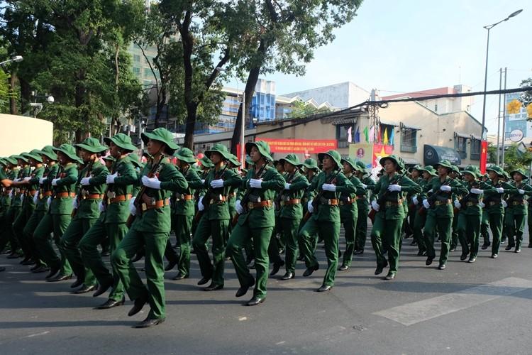 Tổng duyệt diễu binh, diễu hành kỷ niệm 40 năm thống nhất đất nước - ảnh 6