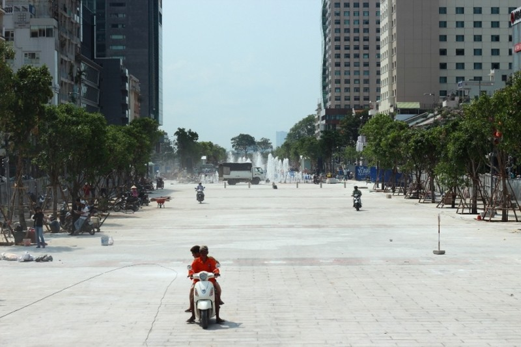 Đến Phố đi bộ Nguyễn Huệ gửi xe ở đâu? - ảnh 2