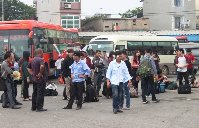 Hàng ngàn xe ô tô ùn tắc trên đường cao tốc Ninh Bình – Cầu Giẽ - ảnh 1