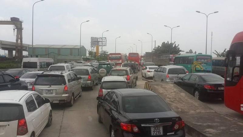 Hàng ngàn xe ô tô ùn tắc trên đường cao tốc Ninh Bình – Cầu Giẽ - ảnh 5