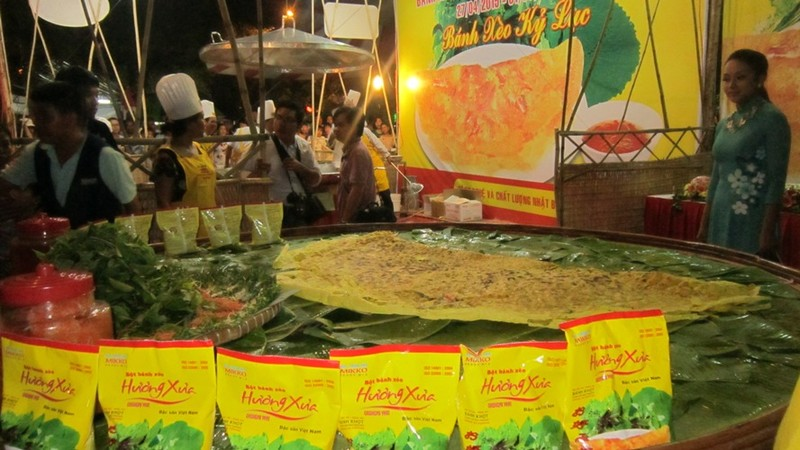 Khai mạc lễ hội bánh dân gian Nam Bộ năm 2015 - ảnh 4
