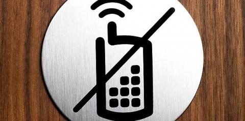 Không sử dụng điện thoại trong cuộc họp có nội dung bí mật nhà nước  - ảnh 1