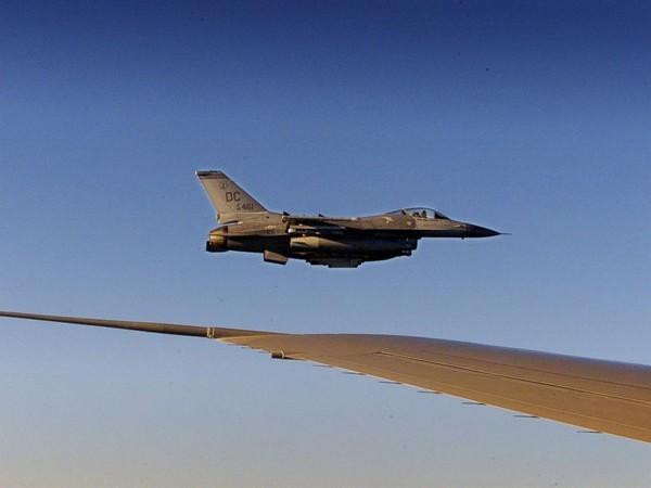 Choáng với 'siêu pháo đài bay' có 1 không 2 của tổng thống Obama - ảnh 4