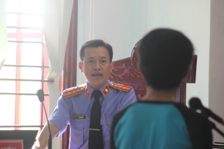 Bị cáo được tại ngoại bị bắt giam khẩn cấp vì không đến hầu tòa - ảnh 4