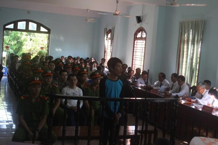 Bị cáo được tại ngoại bị bắt giam khẩn cấp vì không đến hầu tòa - ảnh 2