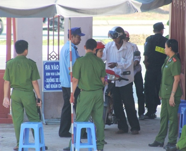 Bị cáo được tại ngoại bị bắt giam khẩn cấp vì không đến hầu tòa - ảnh 1