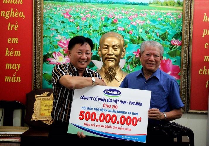 Vinamilk ủng hộ 500 triệu đồng mổ tim cho trẻ - ảnh 1