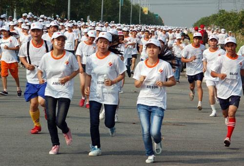 4.500 công nhân chạy bộ vì An toàn lao động - ảnh 1