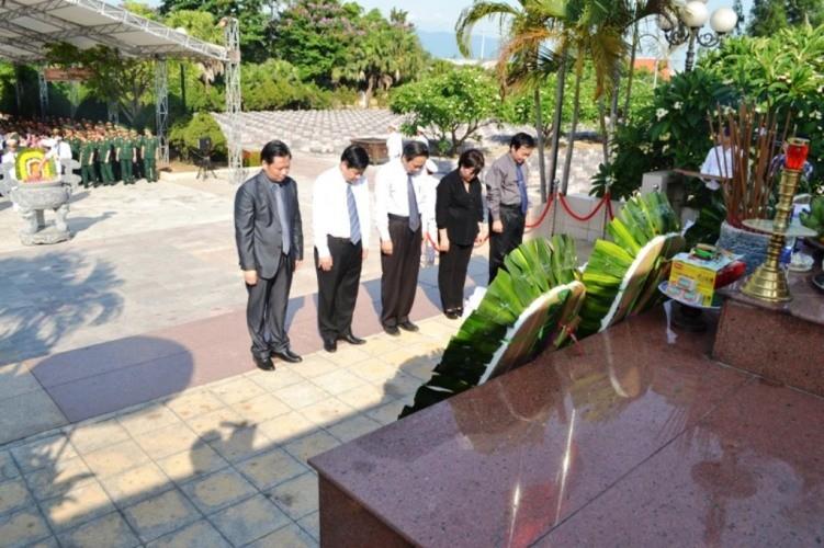 Lễ tiếp nhận, truy điệu hài cốt 26 liệt sỹ hi sinh tại chiến trường Lào - ảnh 1
