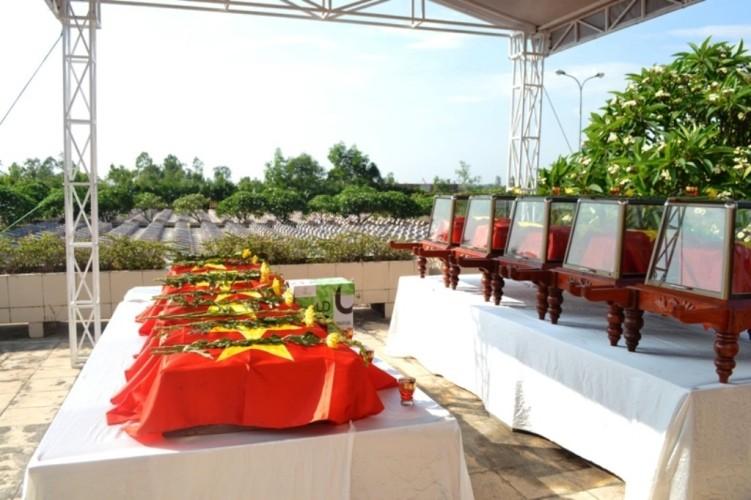 Lễ tiếp nhận, truy điệu hài cốt 26 liệt sỹ hi sinh tại chiến trường Lào - ảnh 3