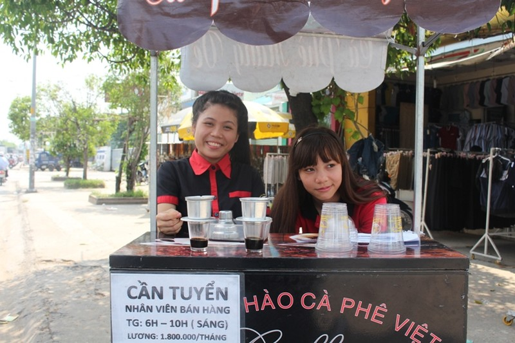 Thú vị cà phê 'Take Away' trên phố Sài Gòn - ảnh 4