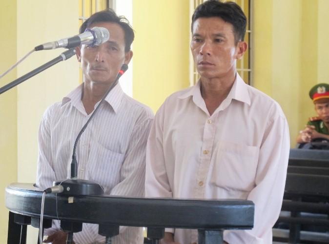 Tuyên án tù giam 2 người thân của HS bị công an xã đánh chết  - ảnh 1