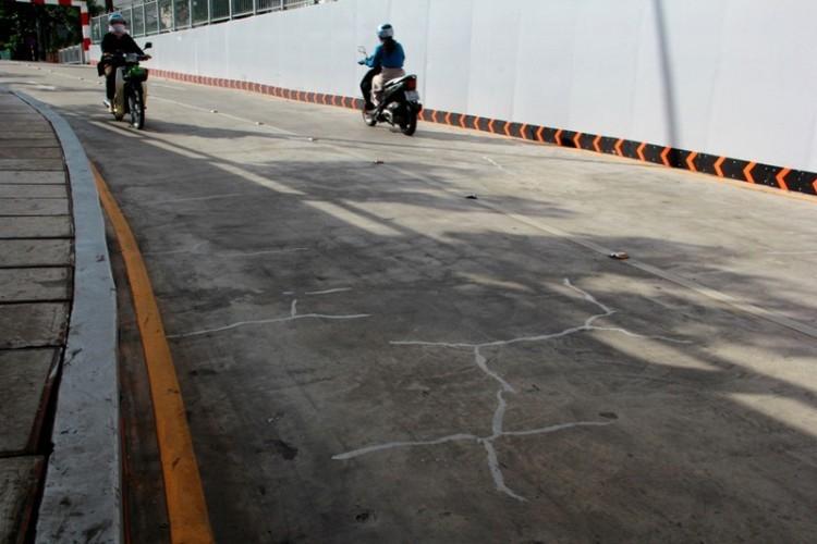 Lo ngại: Hầm chui cầu Điện Biên Phủ xuất hiện nhiều vết nứt - ảnh 3