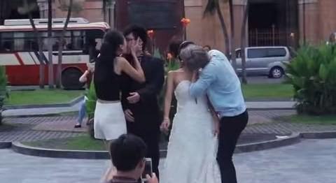 Bùng phát 'đè người lạ hôn môi' - Kiss Cam phản cảm tại Việt Nam - ảnh 6