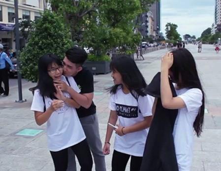 Bùng phát 'đè người lạ hôn môi' - Kiss Cam phản cảm tại Việt Nam - ảnh 8