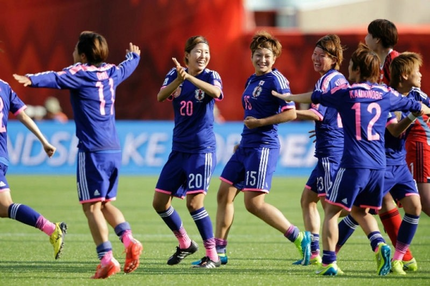 Trước trận chung kết World Cup nữ Mỹ - Nhật: Phụ nữ 'tham' quá! - ảnh 1