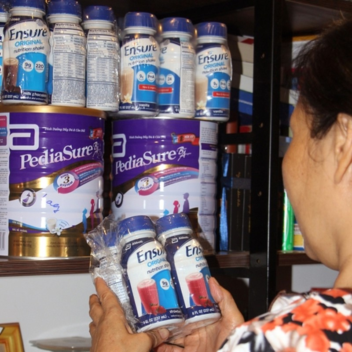 Chọn mua sữa chính hãng để đảm bảo sức khỏe của chính mình - ảnh 1