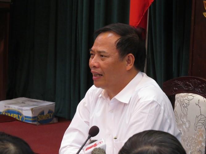 Công an huyện Cẩm Giàng: 'Không có việc người dân bị xe xích nghiến lên người' - ảnh 1