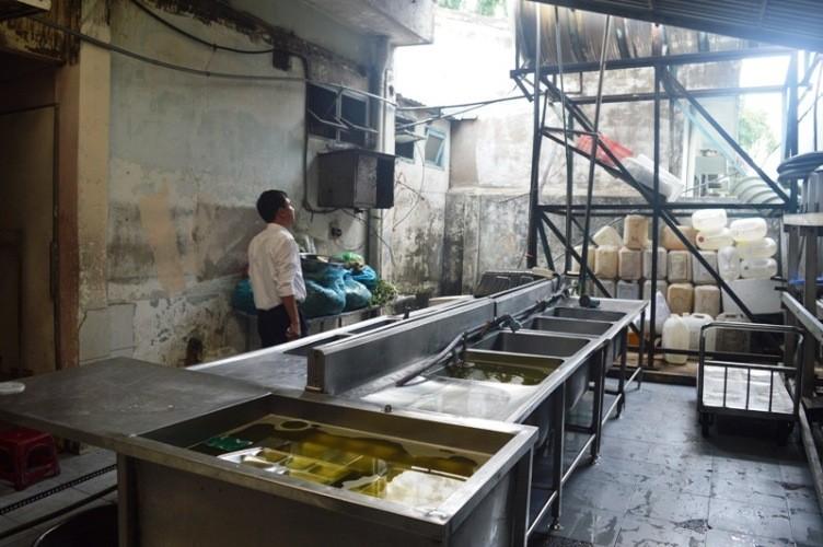 Vụ 200 công nhân ngộ độc tại Bình Dương: Suất ăn quá rẻ! - ảnh 2