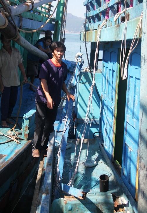 Tàu cá Bình Định bị tàu vũ trang Trung Quốc tấn công - ảnh 3